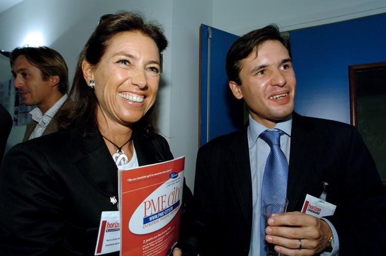 Mardi 6 septembre 2005 - Levallois-Perret, Institut Supérieur du Commerce de Paris (ISC) - Stéphane Jacquemet avec Marie-Cécile Ménard, chef d'entreprise à la Une du premier numéro du magazine Horizon Croissance, à l'occasion de l'évènement de lancement de celui-ci – Photographe : Bernard Lachaud – DR.