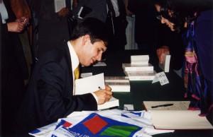 Septembre 2001 - Séance de dédicace de l'ouvrage L'audace économique