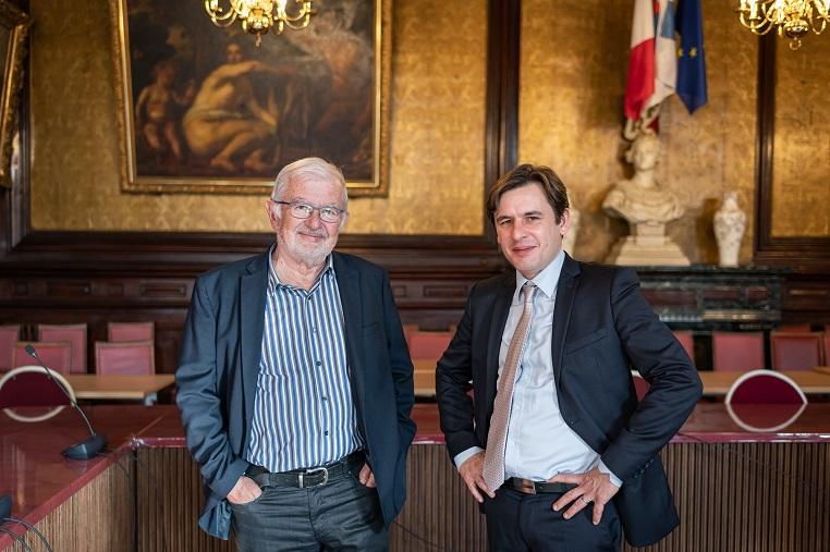 De gauche à droite : Gérard Ducarre, Maire de Saint-Chamond de 1989 à 2008, et Stéphane Jacquemet – Saint-Chamond – Mercredi 12 février 2020 - © Collection privée - Photographe : Edouard Meyer – Deyer's Studio - DR.